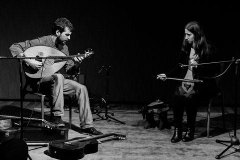 Música mediterrânea com Chrysanthi Gkika e Juliano Abramovay